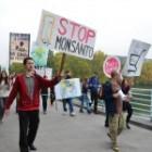 Protestujúci vyšli do piešťanských ulíc prvýkrát od nežnej revolúcie. Pochodovali za Slovensko bez GMO.